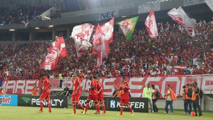 Adriano Pardal, do América-RN, comemora segundo gol na Arena das Dunas (Foto: Augusto Gomes)