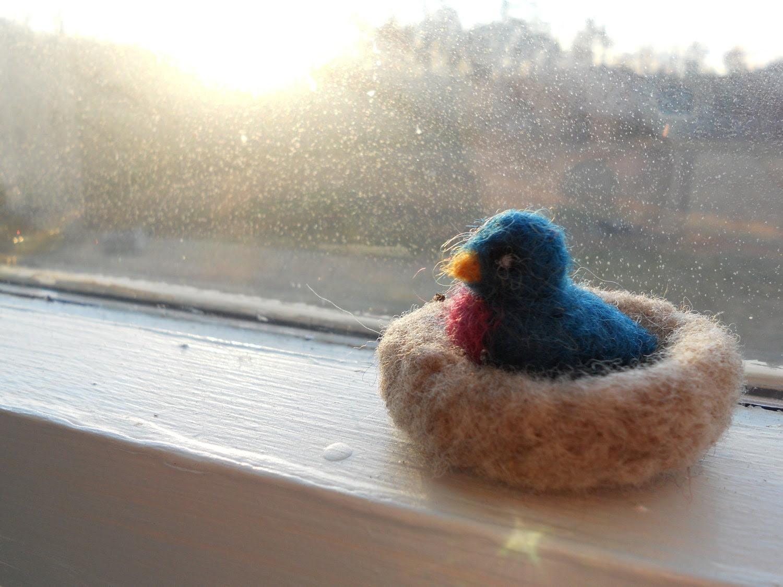 Bluebird in Nest / Summer Nature Table Felt Miniature / Tiny Waldorf-style Animal Toy / Needle Felted Bird / Valentine Gift - FoxWoolDesigns