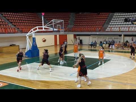 Στιγμιότυπα από τον αγώνα Ολύμπια Λάρισας-Απόλλων Καλαμαριάς 42-66 για το κύπελλο Ελλάδας γυναικών