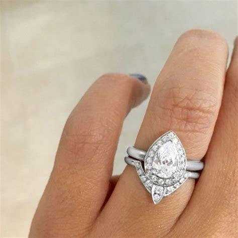 Best 25  Pear diamond rings ideas on Pinterest   Diamond