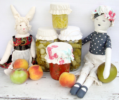 Whip Up Guest blogger: how to make jar caps and doll hats
