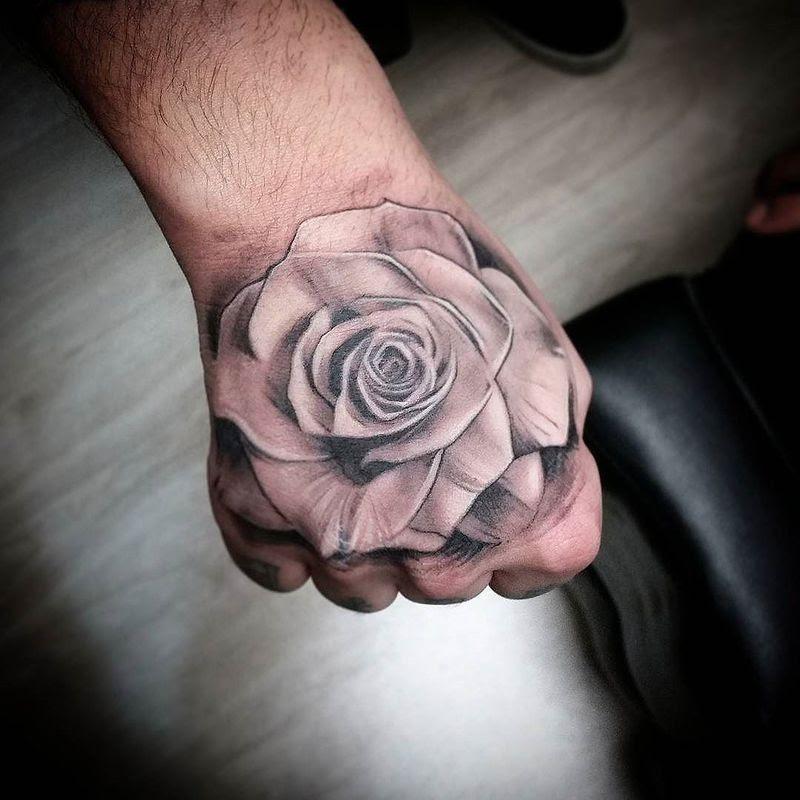 Tattoos Rosas En La Mano