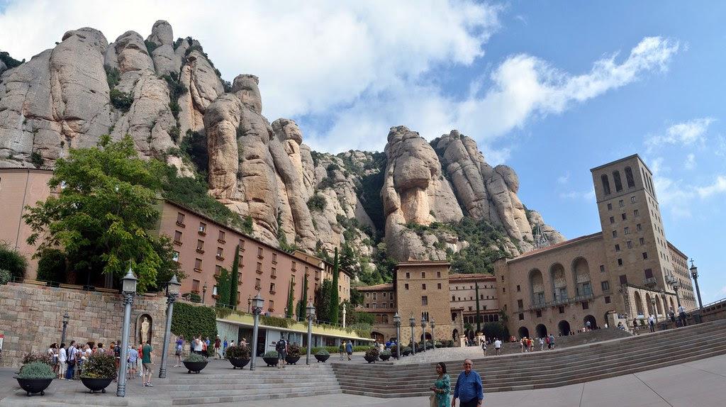 Panoramica_Monasterio de Monserrat [3000x2000_50%de24megapix]