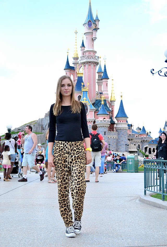 flashback paris disney land paris mickey mouse mini mouse heaven magic everywhere shopping marc by marc jacobs bookmarc zara twice as nice jewelry minimal artistic inspiration diary