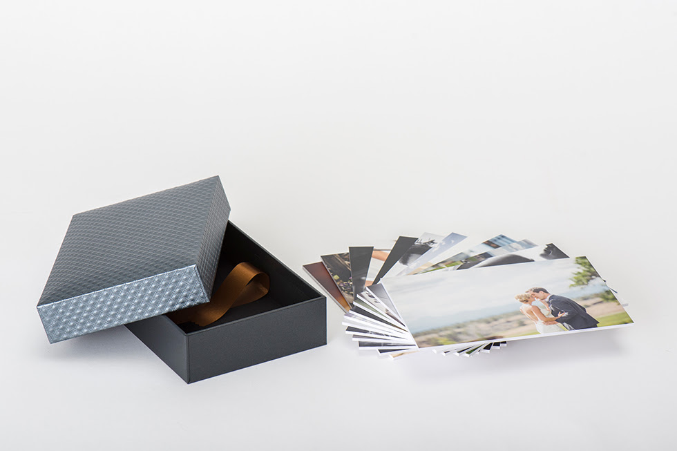 Professional Photography Gallery Boxes Photo Prints And Stands