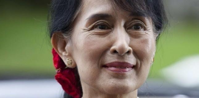 Aung San Suu Kyi à son arrivée à Oslo pour y recevoir le Nobel de la paix, le 16 juin (Markus Schreiber/AP/SIPA)