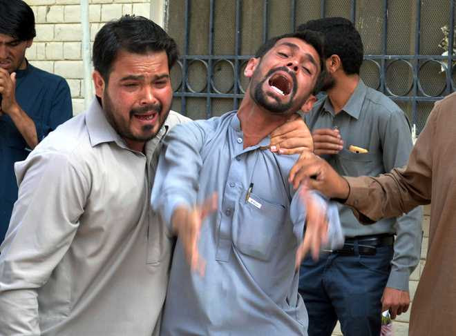 55 killed, over 100 injured in blast at Pakistan hospital