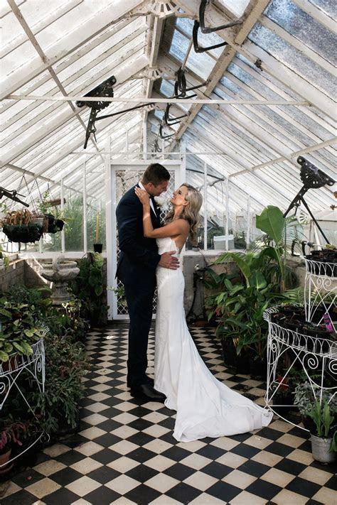 Chelsea and Chris hunt central venue for elegant mansion