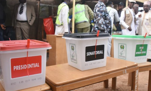#NIGERIAVOTES: INEC extends voting time in some polling units.