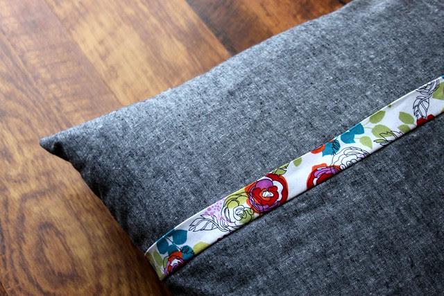 Garden Pillow Backing -- Essex Yarn Dyed Linen in Black