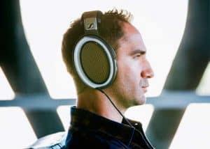 Man_headphones1024x732_forweb