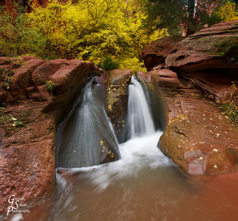 Kanarra creek waterfall in autumn