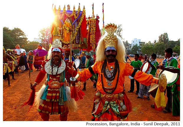 Religious procession, Bangalore, India - images by Sunil Deepak, 2011