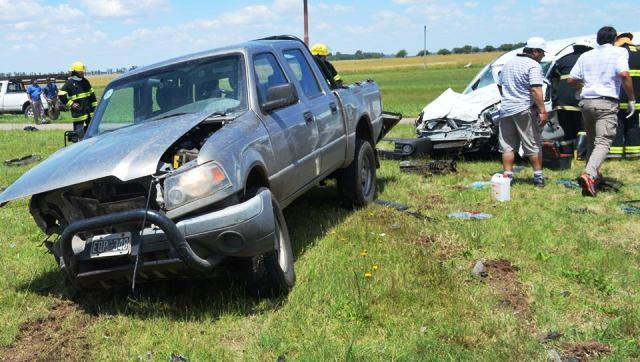 Región | Mujer con heridas graves tras choque frontal en Alvear