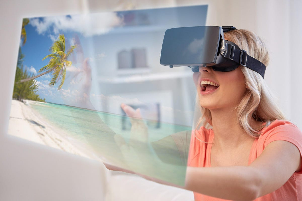 Extended Reality In Tourism: 4 Ways VR And AR Can Enhance The Travel Experience