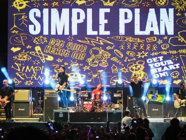 """""""Eu acho que nós temos que voltar para Fortaleza"""", anunciou o vocalista do Simple Plan (Foto: Alana Andrade/Divulgação)"""