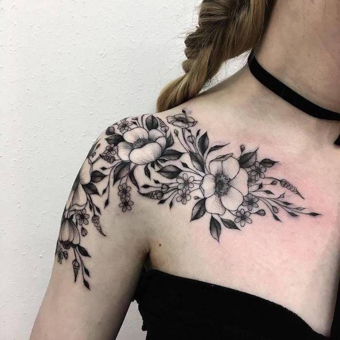 Tattoo oberarm frau blumenranke