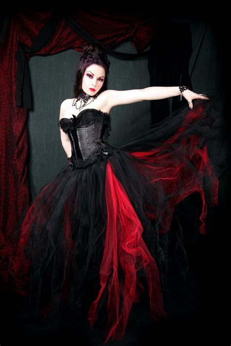 Black and Red Wedding Dresses Design   Wedding dresses