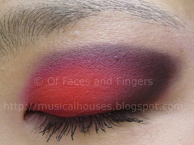 halloween eye look red black 2