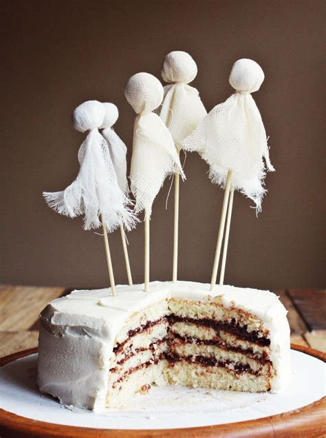 19 Creative Halloween Cakes And Desserts