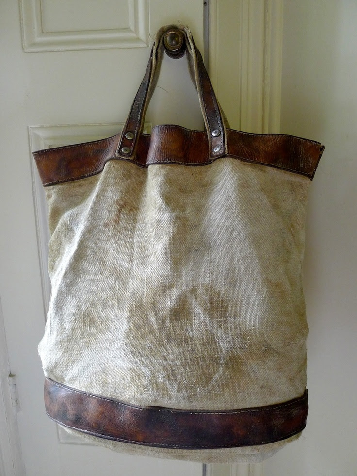 A new acquisiton for the Vintage Collection. Inspiration for my own foglebags.com