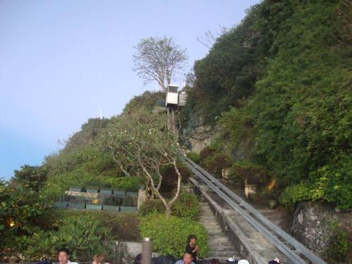 ескалаторът на рок бара