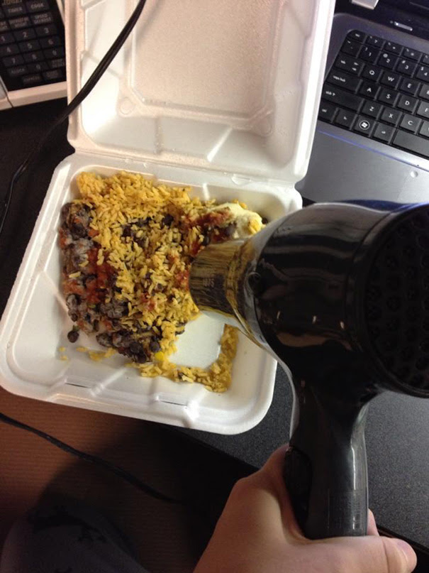 As a college student, you learn to be resourceful. Especially when you don't have a microwave