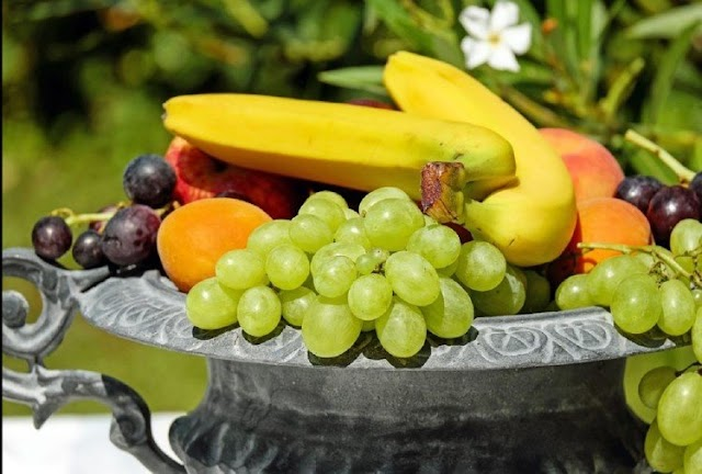 डायबिटीज के मरीज हैं, तो भूलकर भी ना करें, इन पांच फलों का सेवन