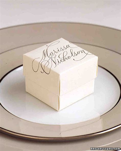 19 Holiday Party Place Card Ideas to Steal From Weddings