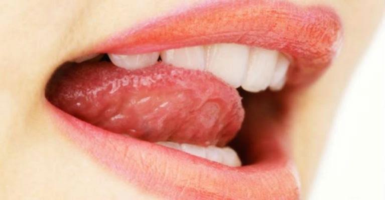 Απλά μια πρέζα από αυτό το μίγμα κάτω από τη γλώσσα σας πριν από τον ύπνο μπορεί να κάνει θαύματα