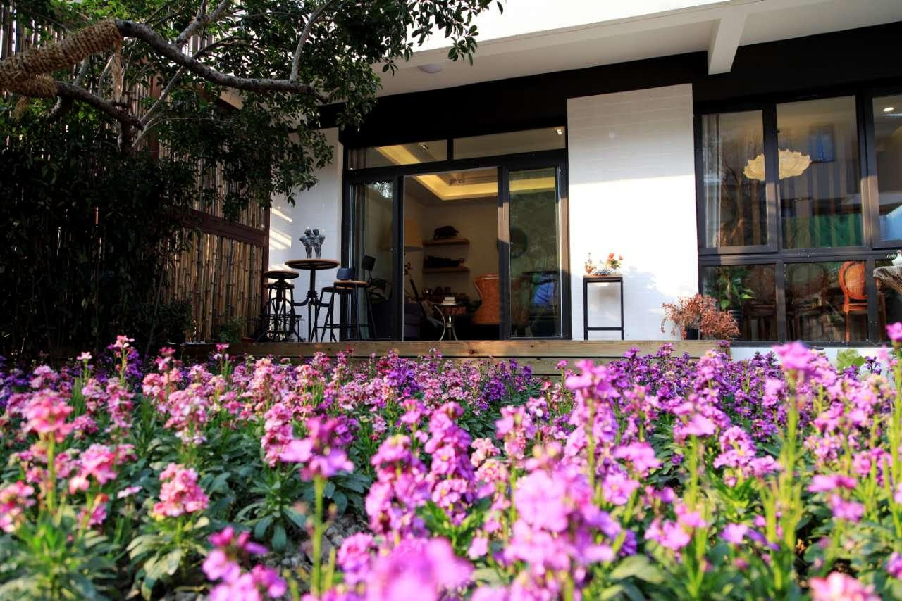 hotel near Wuxi Blossom Hill Wuxi Pastoral Poem
