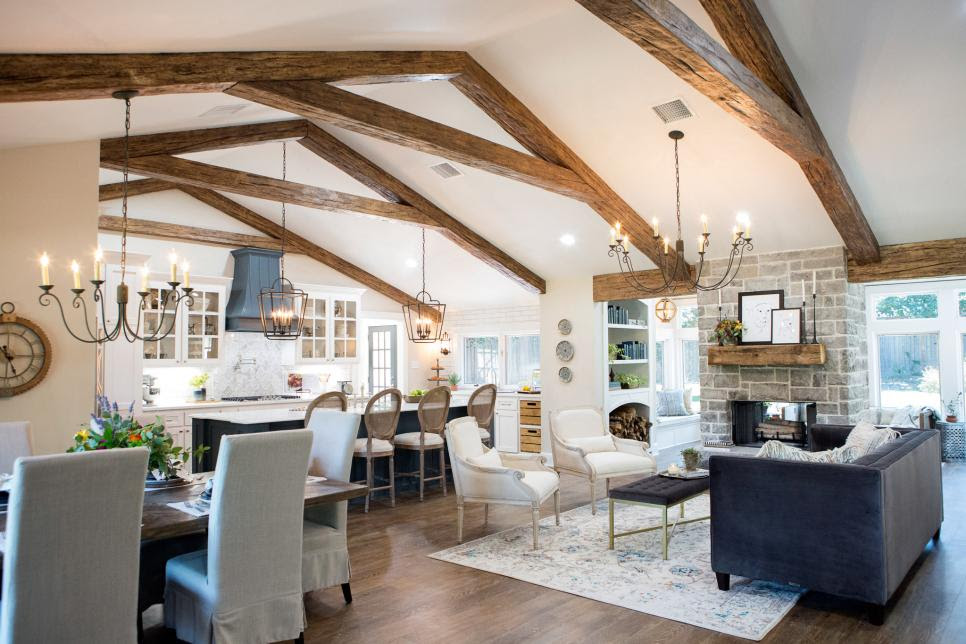 10 Things You Probably Didn T Know About Hgtv S Fixer Upper The Mom Beat