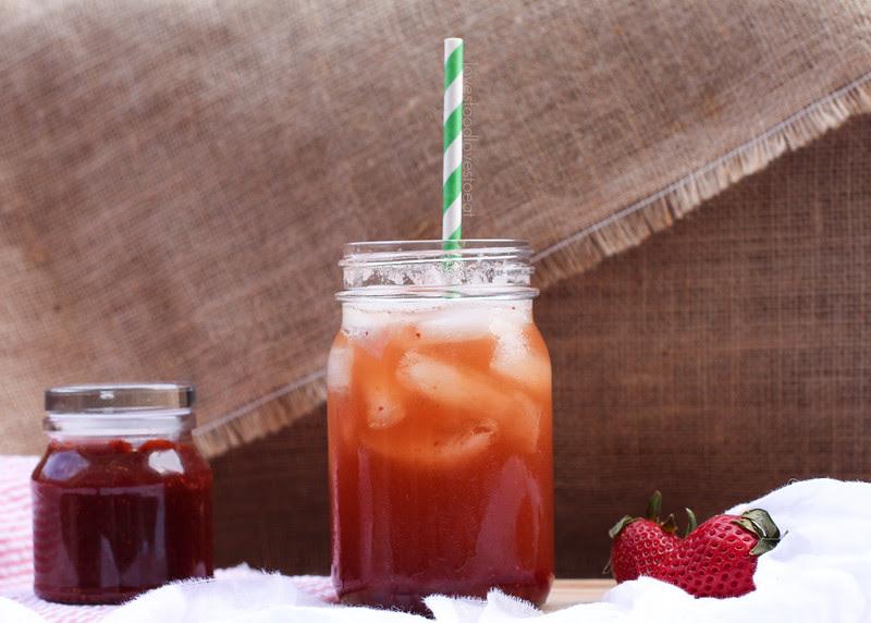 Strawberry Balsamic Vanilla Sodas // Loves Food Loves to Eat