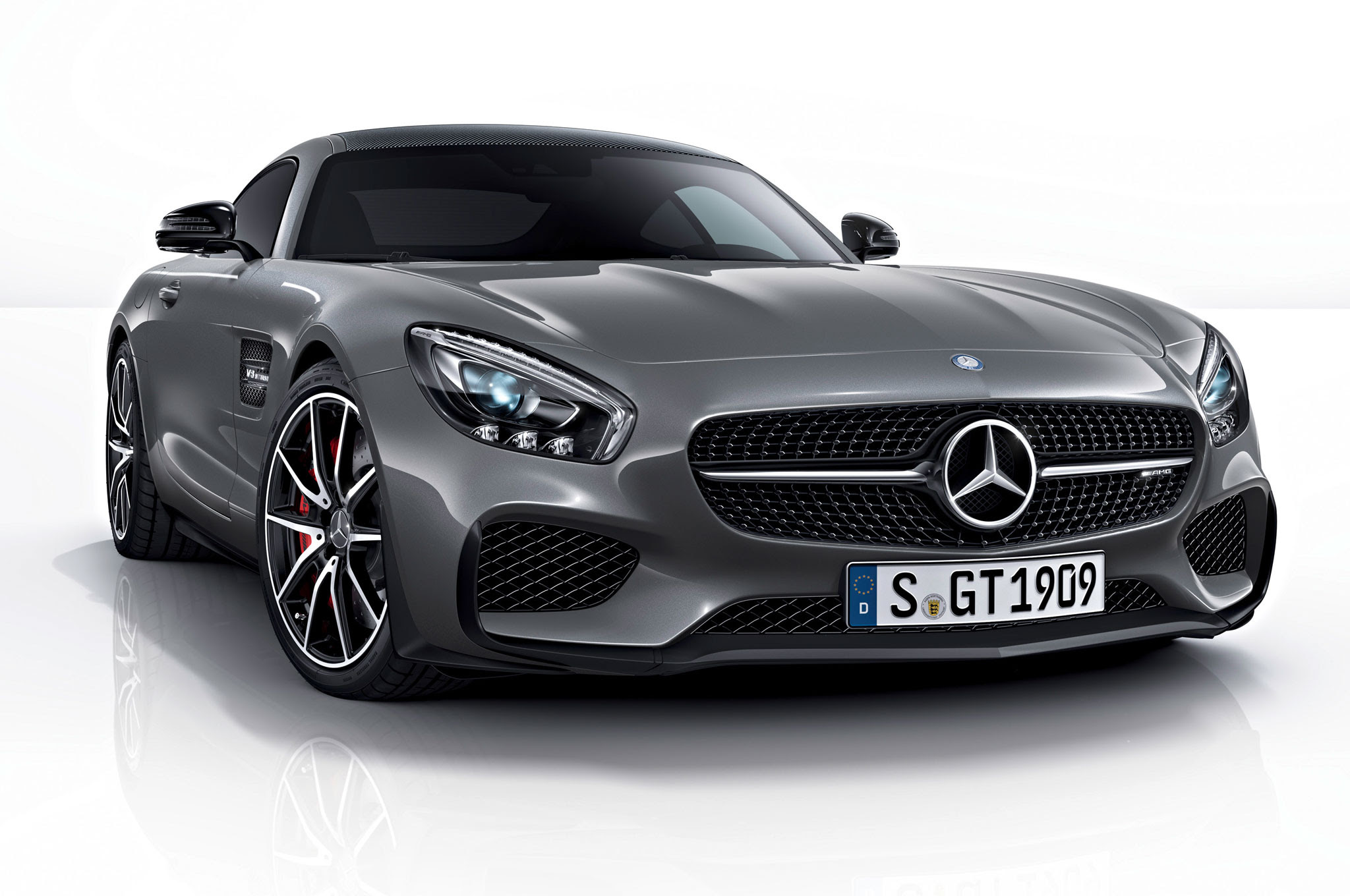 2016 Mercedes-AMG GT Kicks Off with Edition 1 Model