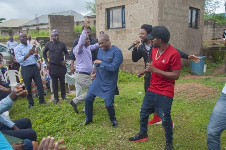 2019 Presidential Aspirant, Fela Durotoye Spotted Dancing In Abuja (Photos)