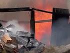Fogo atinge pátio de veículos de Ferraz (Reprodução / TV Diário)