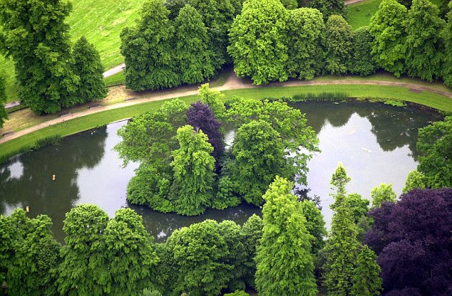 The island is located at the centre of the Spencer family's 500-year-old ancestral estate, Althorp, which spans 13,000 acres surrounding its walled 500-acre park
