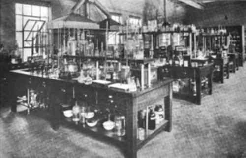 Analytical Room. Laboratory, Lever Bros. Co., Cambridge Mass.