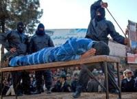 Cristãos iranianos condenados a 80 chibatadas por celebrarem a Santa Ceia com pão e vinho