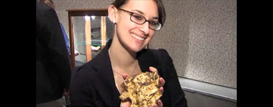 Giant gold nugget (AP video)