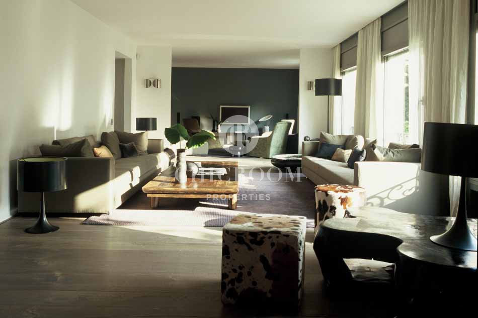 Furnished 4 bedroom luxury apartment to rent in Barcelona