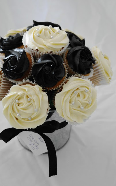 Black and White Cupcake Bouquet