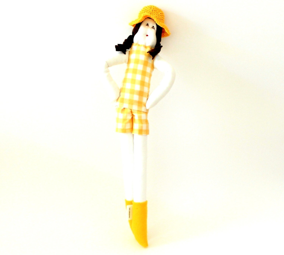 Cloth doll Sicrana with yellow and white check vintage fabric ooak by Fulana, Beltrana e Sicrana