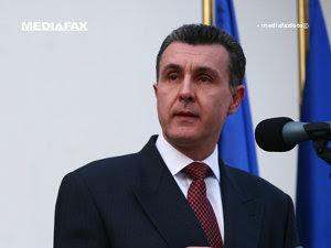 Principele Radu: Dacă nu se termină circul politicianist, o să se termine pâinea pentru mulţi oameni (Imagine: Mediafax Foto)