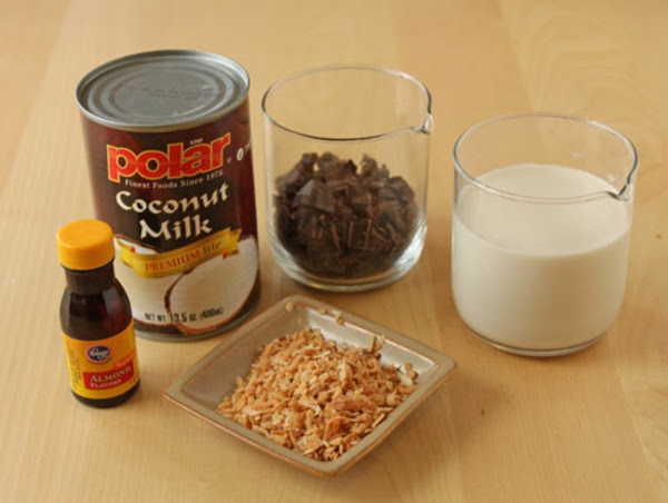 almond-joy-hot-chocolate-1.jpg