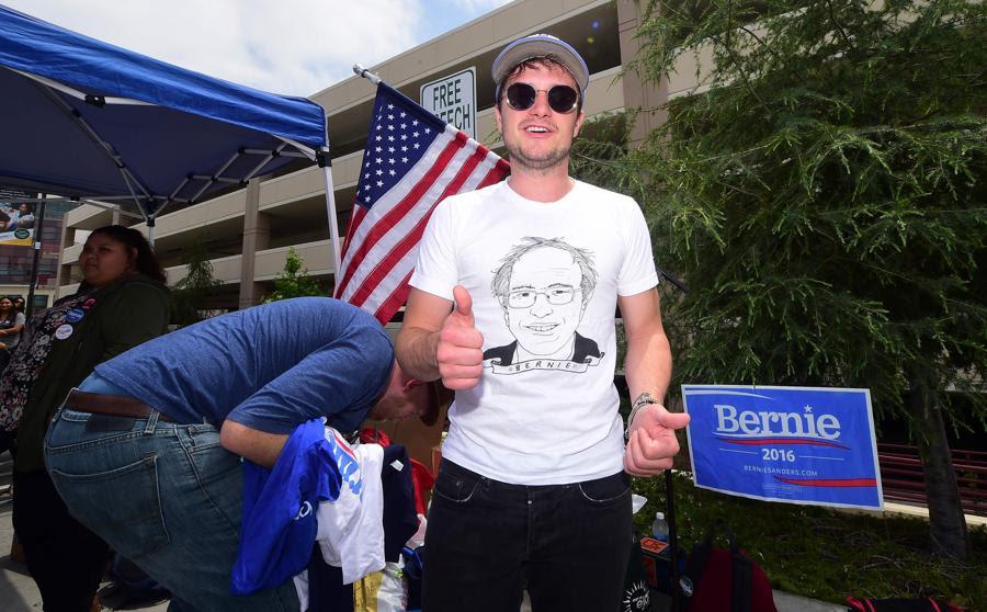 Sanders vence en Virginia Occidental y mantiene el pulso con Clinton