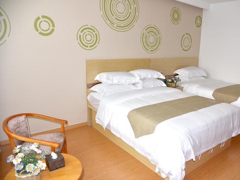 GreenTree Inn Baoding City Anguo City Baoheng Road Trading hall Express Hotel Discount