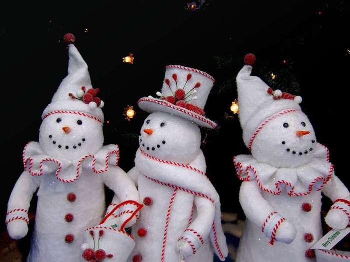 Обои на kards.qip.ru - Новый год - Снеговики - Закачка
