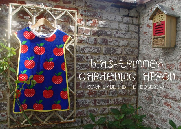 Bias-trimmed gardening apron // Behind the Hedgerow