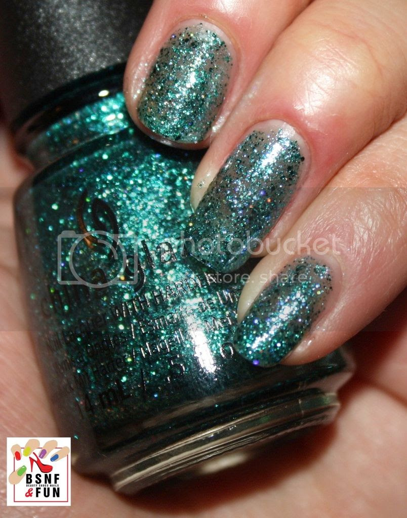 photo China Glaze Cheers-13_zps9nyrx4jo.jpg